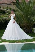 Exkluzívne svadobné šaty s čipkovaným lemom , 36