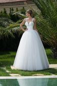 Luxusné svadobné šaty s jemnou čipkou , 40