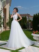 Nádherné svadobné šaty s čipkovaným živôtikom , 40