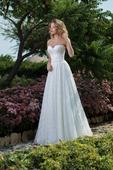 Jednoduché svadobné šaty s padavou sukňou , 38
