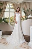 Luxusné svadobné šaty s lodičkovým výstrihom , 34