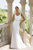 Jednoduché priliehavé svadobné šaty s opaskom , 38