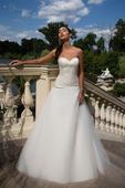 Korzetové svadobné šaty s tylovou sukňou , 36