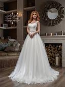 Žiarivé svadobné šaty s tylovou sukňou, 32