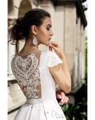 Svadobné šaty s ohromujúcim zdobením na chrbte, 36