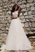 Prekrásne svadobné šaty s viacvrstvovou sukňou, 40