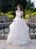 Prekrásne svadobé šaty s volánovou sukňou, 38