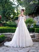 Rozprávkové svadobné šaty s motýlikmi, 38