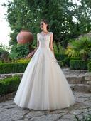Prenádherné svadobné šaty s čipkovaným korzetom, 40
