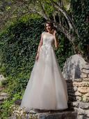 Svadobné šaty s korzetom s nádhernou aplikáciou, 40