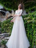 Elegantné svadobné šaty s tylovou sukňou, 40