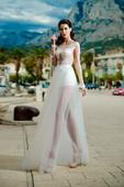 Extravagantné svadobné šaty s tylovou sukňou., 40