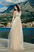 Nežné svadobné šaty s padavou šifónovou sukňou, 54
