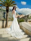 Extravagantné svadobné šaty s ornamentami , 38
