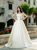 Rozprávkové svadobné šaty zo saténu zdobéné čipkou, 34