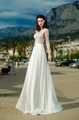 Prepychové svadobné šaty s čipkovaným zvŕškom, 39