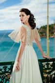 Podmanivé svadobné šaty s ozdobnou čipkou, 46
