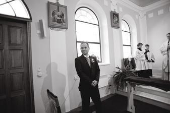 Poprvé spatří nevěstu