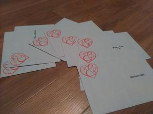 obálky nachystané, oznámení roztříděné .. a na jaro už se s tím nemůžeme zdržovat :)