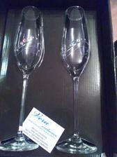 naše skleničky .. sice ne v našich barvách, ale naživo vypadají skvěle :)
