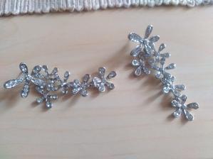 Nové naušničky (už asi třetí :D) ... poradíte náhrdelník co by se k nim hodil?? ;)