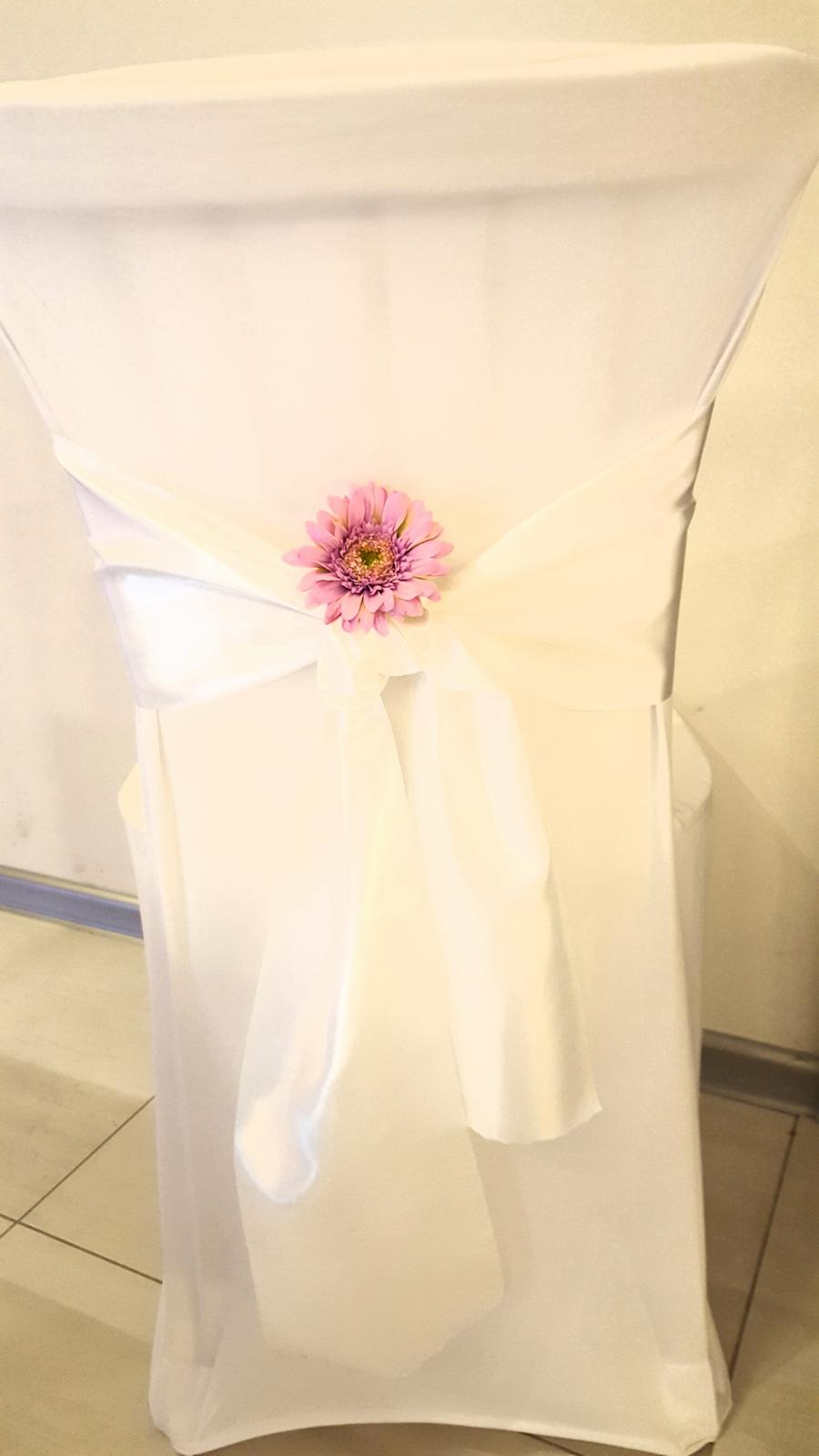 Výzdoba stoličiek - inšpirácie - Krásna biela