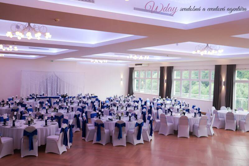Kráľovský modrá svadba - Obrázok č. 1