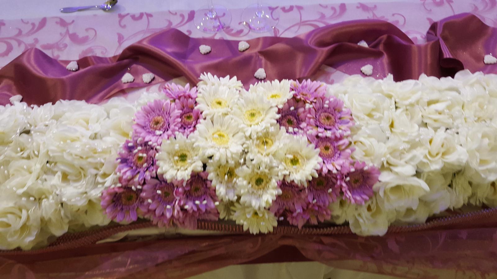 ikebana na hlavný stôl - Obrázok č. 3