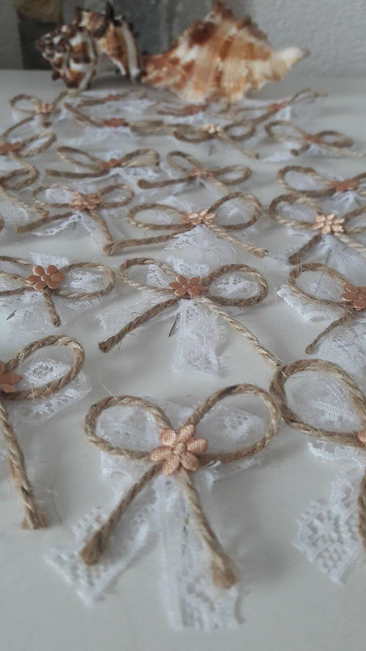Pierka s kvietkom, čipkou a jurovým špagátikom - Obrázok č. 1