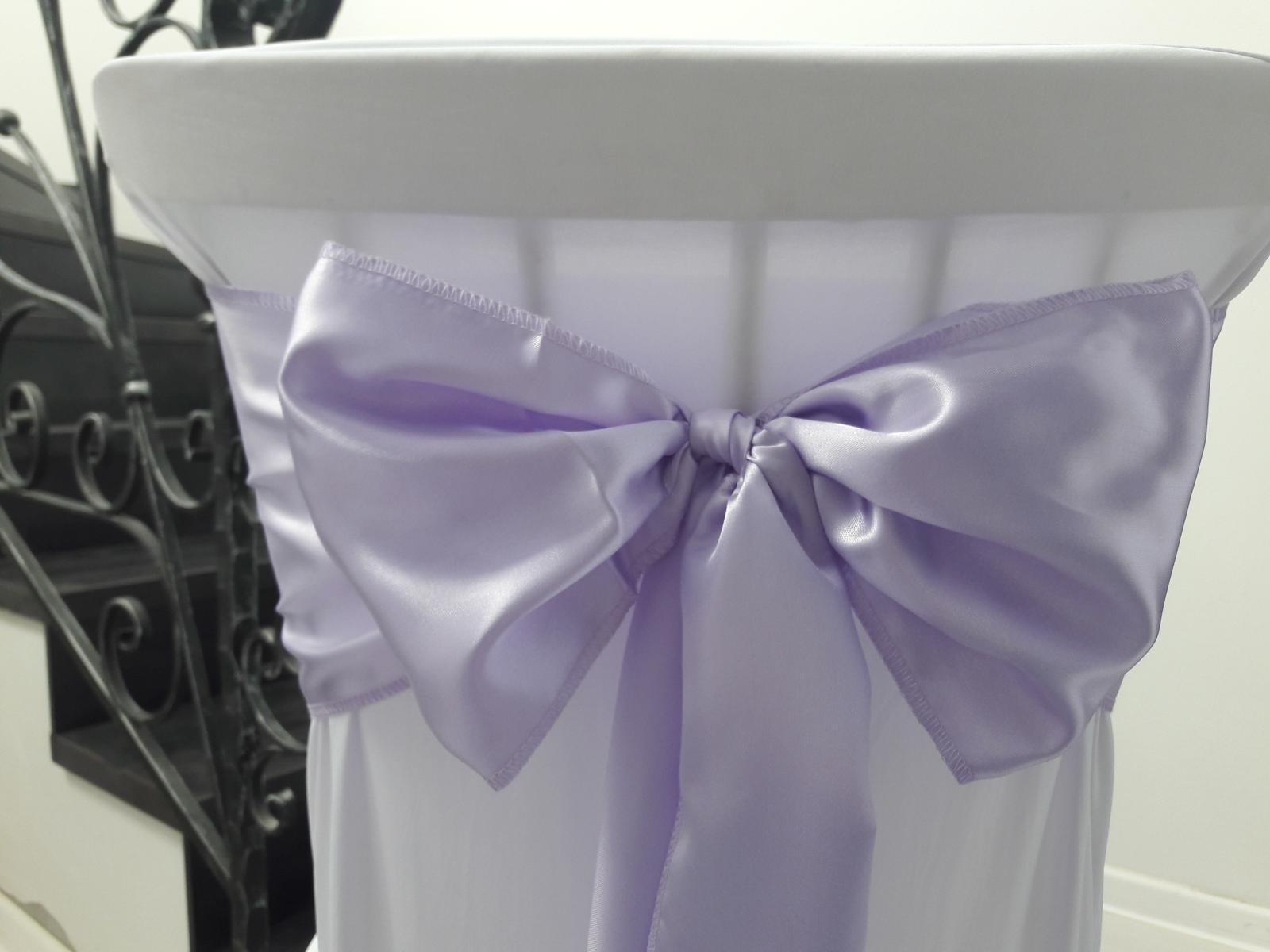 Saténové mašle na stoličky. Bledučko fialová farba - Obrázok č. 2