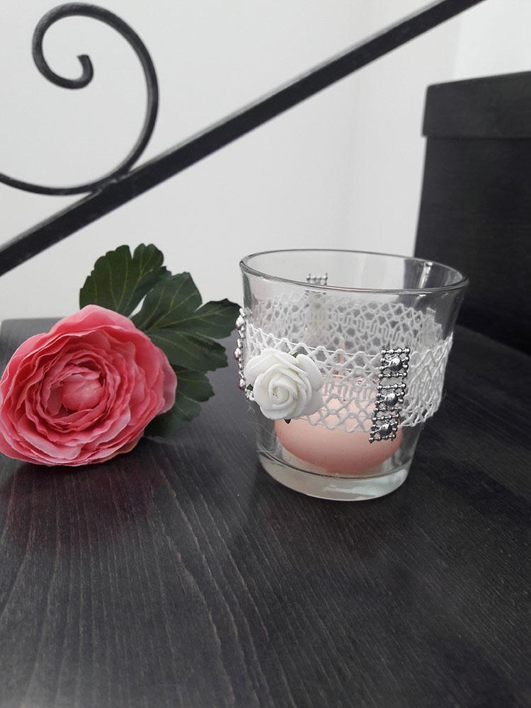 Svienik s čipkou a ružičkou - Obrázok č. 1
