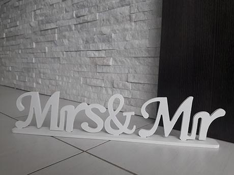 Nápis Mr a Mrs - Obrázok č. 1