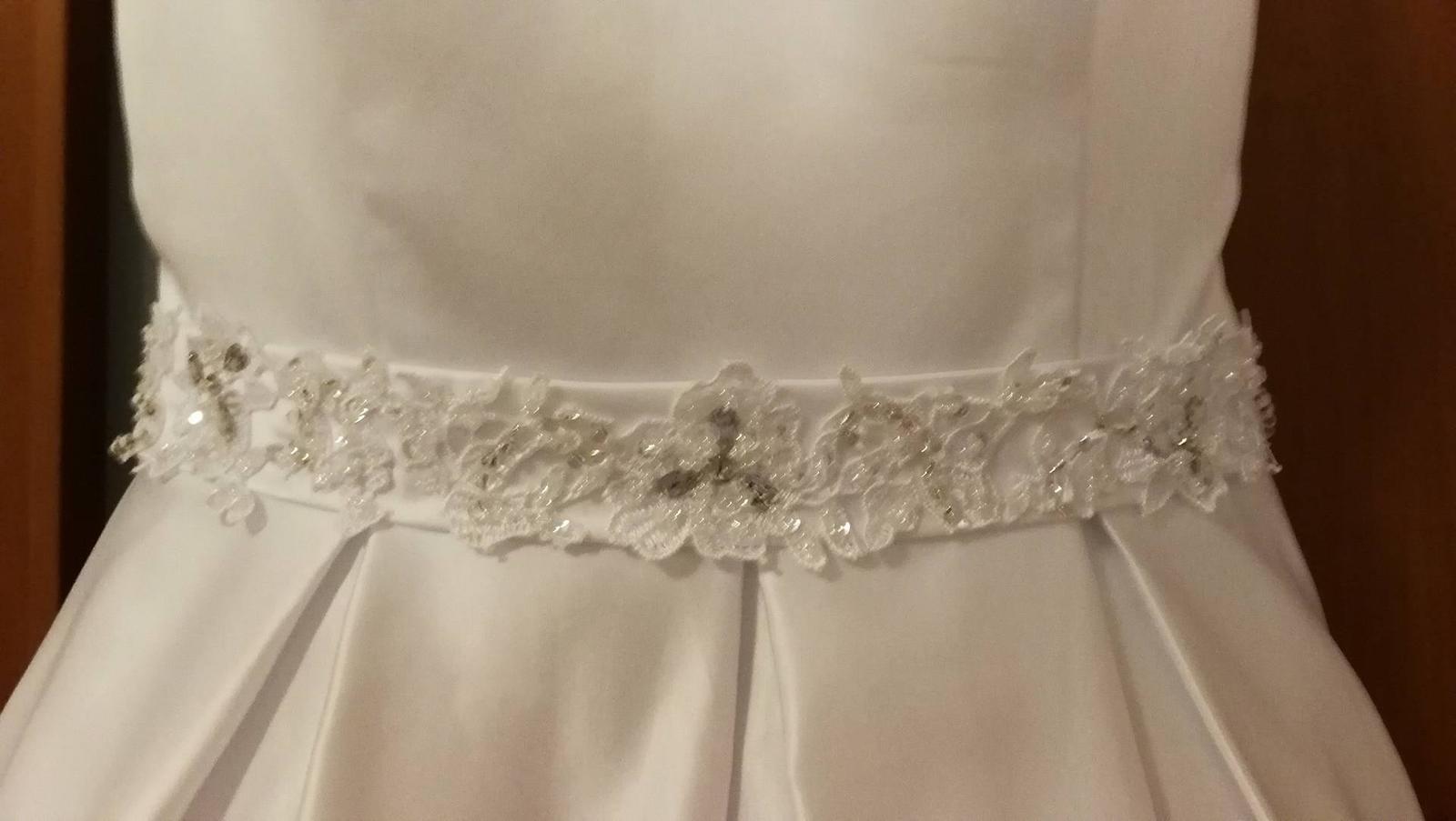 Nadherné svadobné šaty s dlhou vlečkou-zlava - Obrázok č. 3