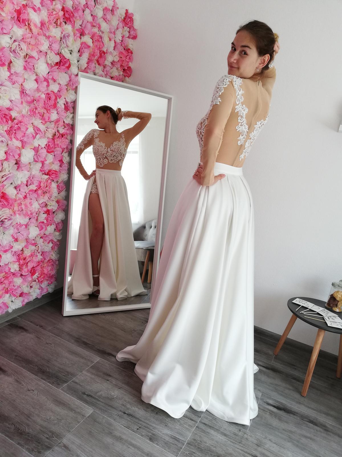 Ohromující svatební šaty - body a sukně - Obrázek č. 4