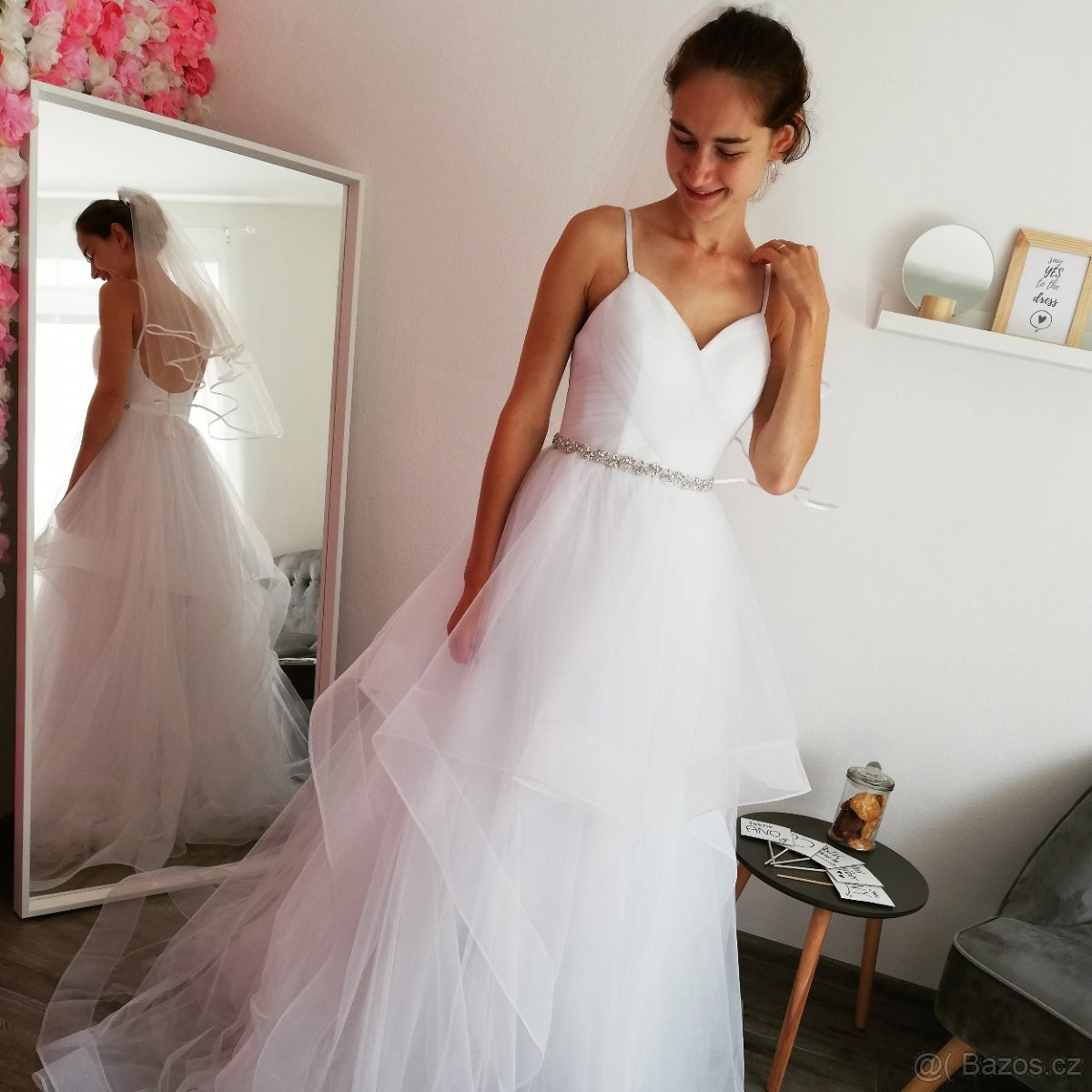 Jedinečné svatební šaty v boho stylu - Obrázek č. 2