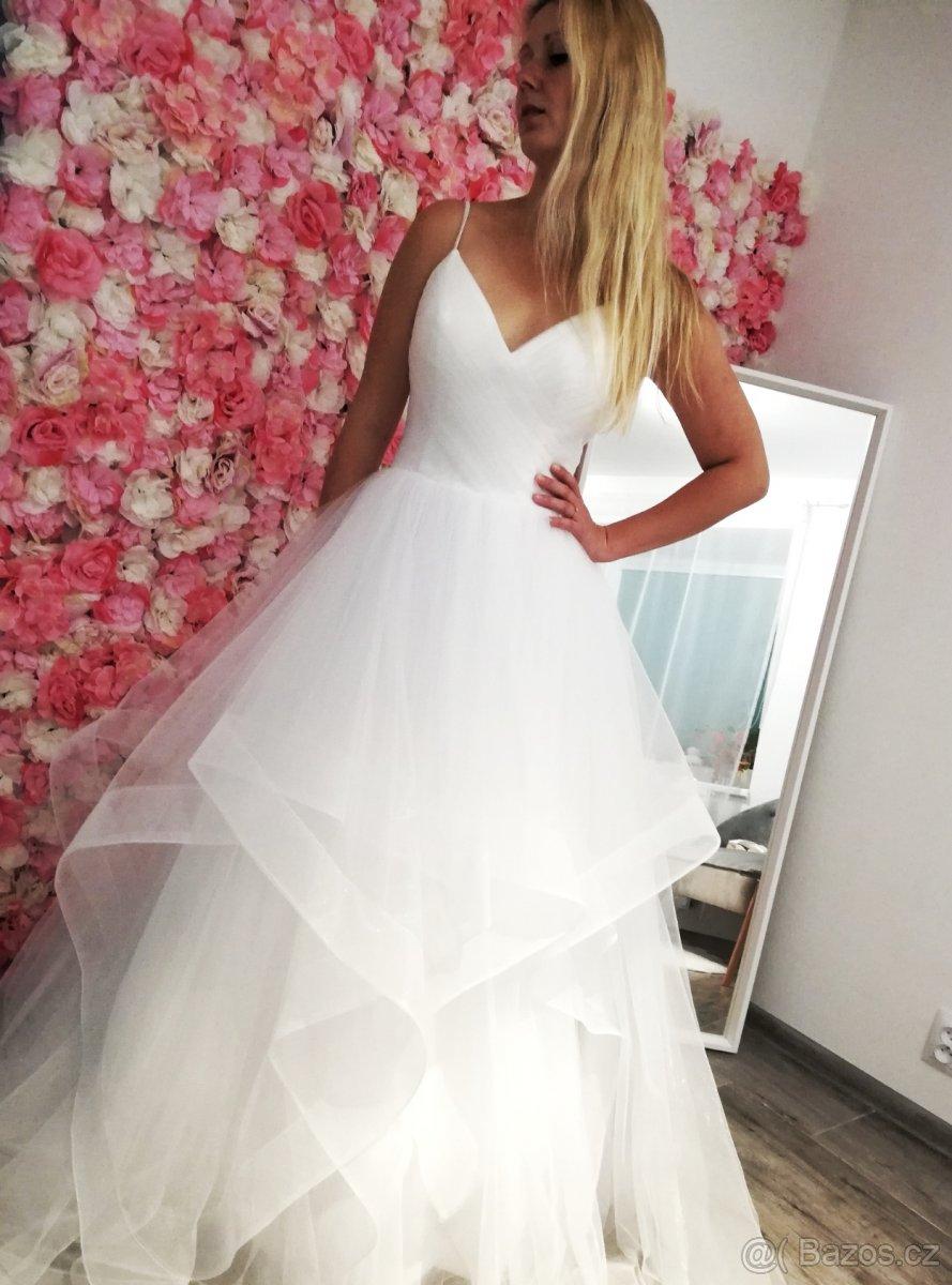 Jedinečné svatební šaty v boho stylu - Obrázek č. 3