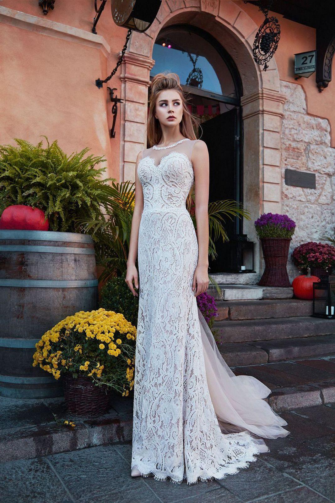 Nádherné vypasované svatební šaty s rustikální krajkou - Obrázek č. 1