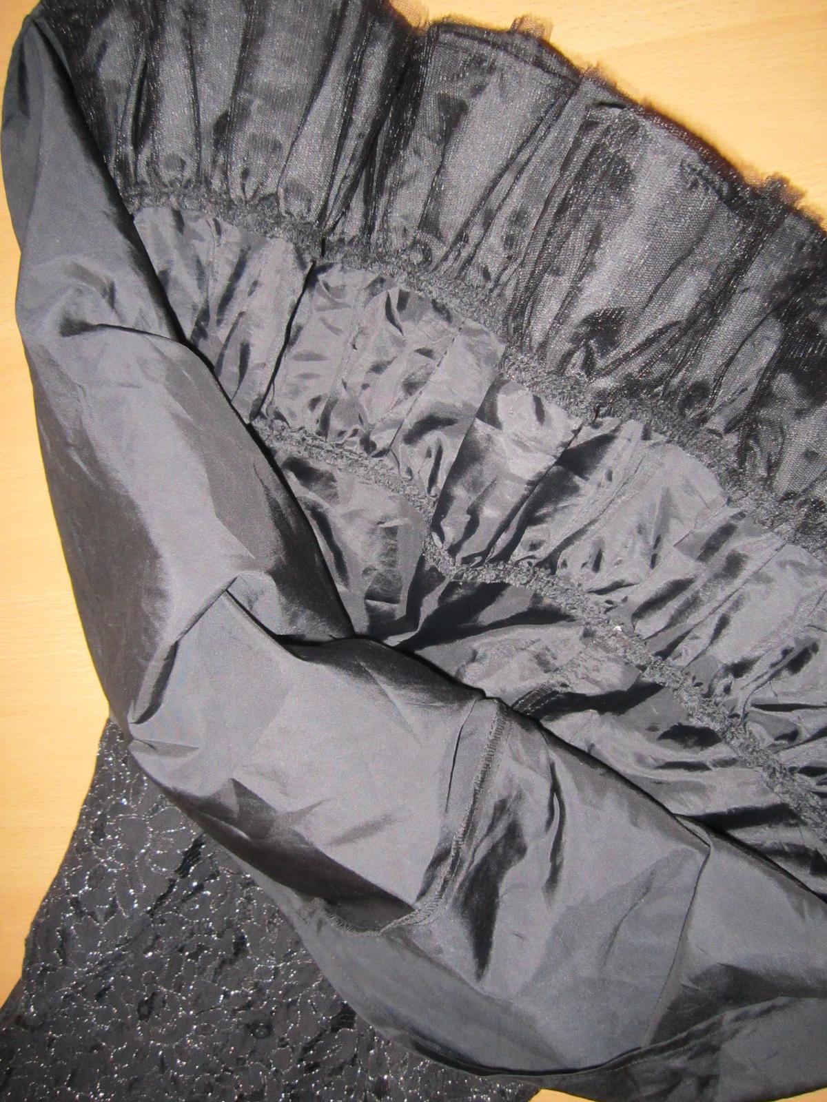 čierne sviatočné šatičky - Obrázok č. 4