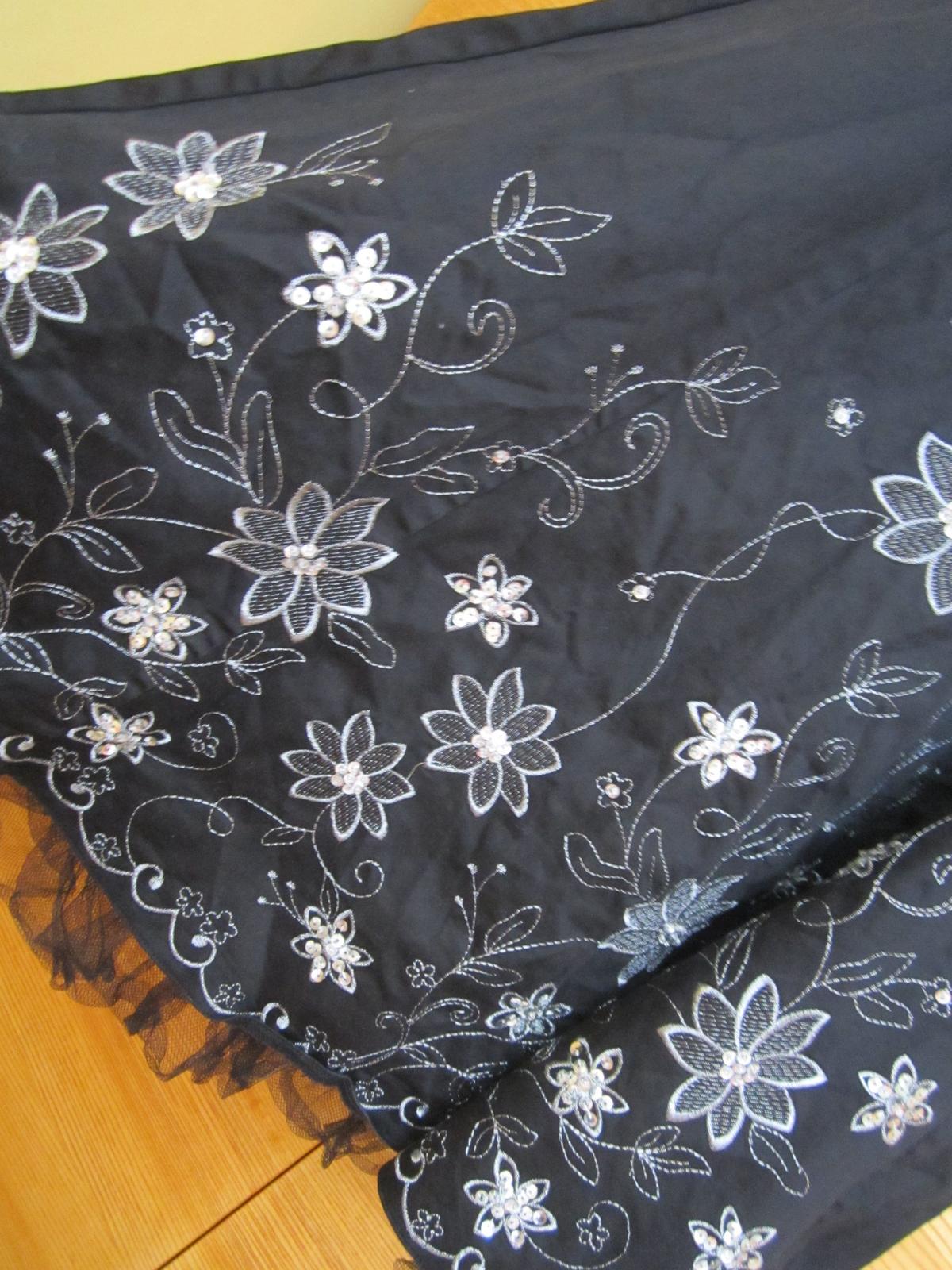 sviatočné šaty - Obrázok č. 2