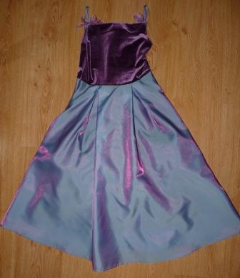 dlhe šaty - Obrázok č. 1
