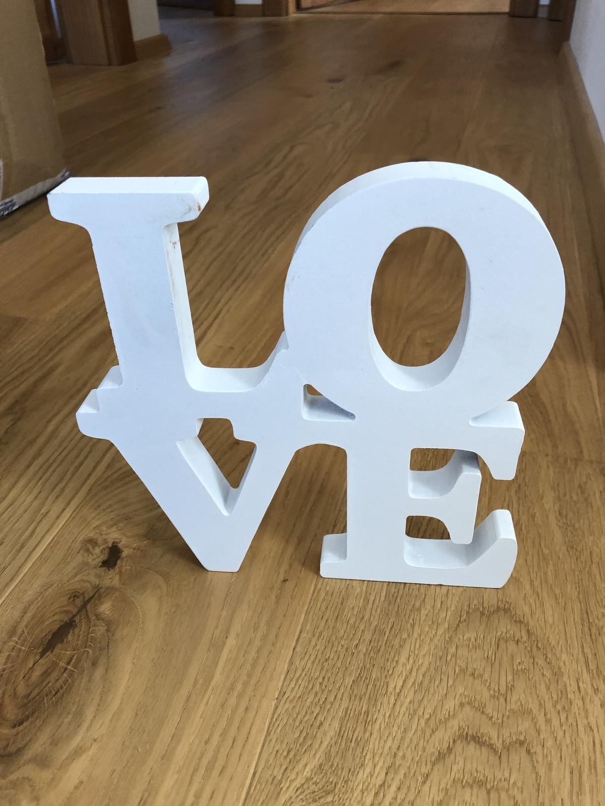 Nápis Love - Obrázek č. 1