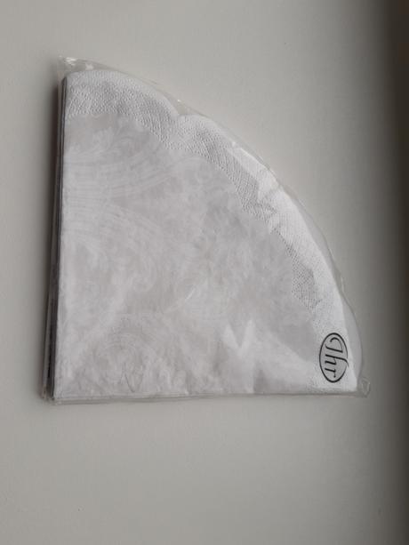 12 ks Rondo servítok biele, ornament  - Obrázok č. 1