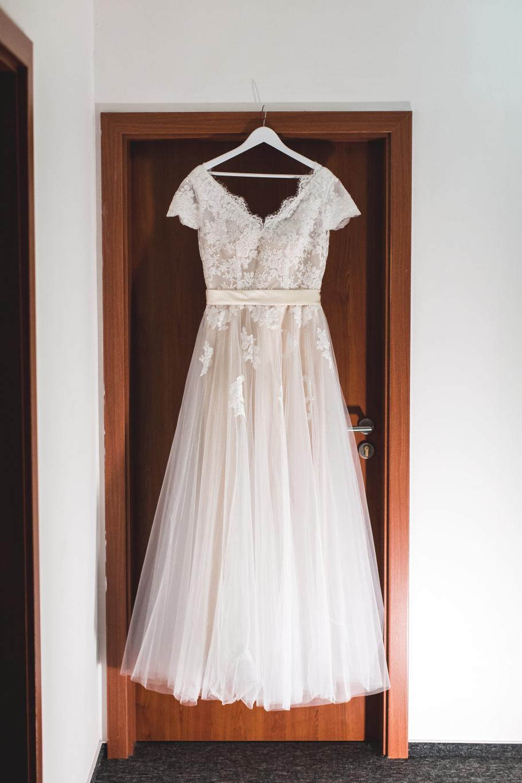 Svatební šaty vel. 42 včetně vaku na šaty - Obrázek č. 1