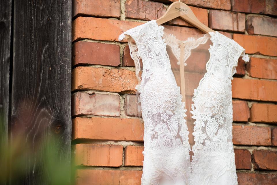 lexusní svatební šaty - Obrázek č. 1