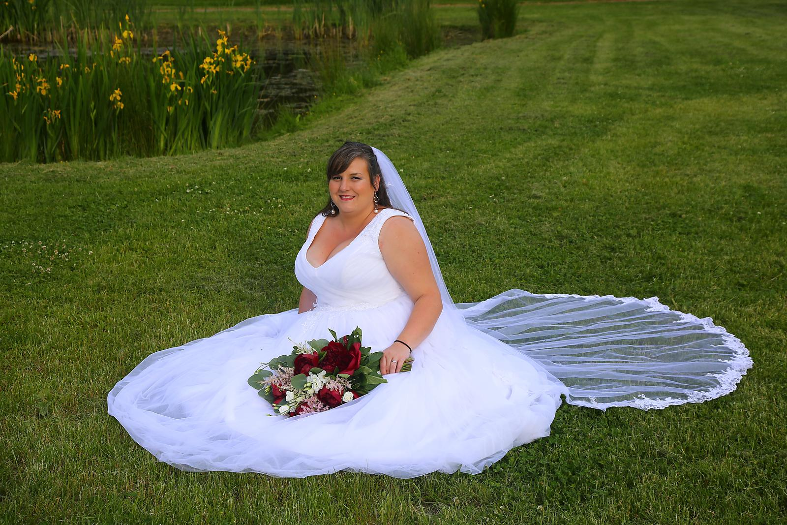 Svatební šaty vel.48 pro větší poprsí - Obrázek č. 1