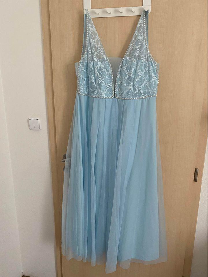 Svatební/popůlnoční šaty vel.48 - Obrázek č. 1