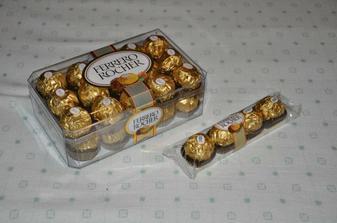 Ferrero na jmenovky. Na jejich koupi jsem si počkala do Itálie, protože tam Ferrero vyjde za hubičku