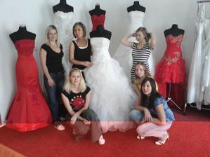 Stylově - ve svatebním salónu:-)