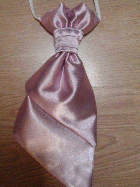Rychlo sa to krati: 15.5.2010 - kravatka pre druzby =)