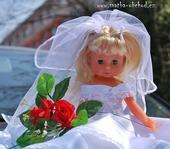 Panenka v bílých šatičkách (č.22) - na objednávku ,